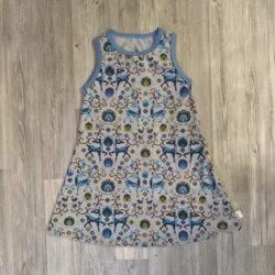 sarvi peura kauris sininen beige mekko liivimekko
