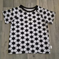mustavalkoinen jalkapallo t-paita